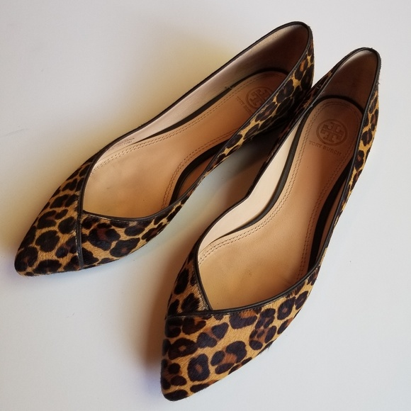 9b209cc8501f Tory Burch Nicki Calf Hair Leopard Flats Shoes 10.  M 5bdb60cbc9bf5062d354e45a